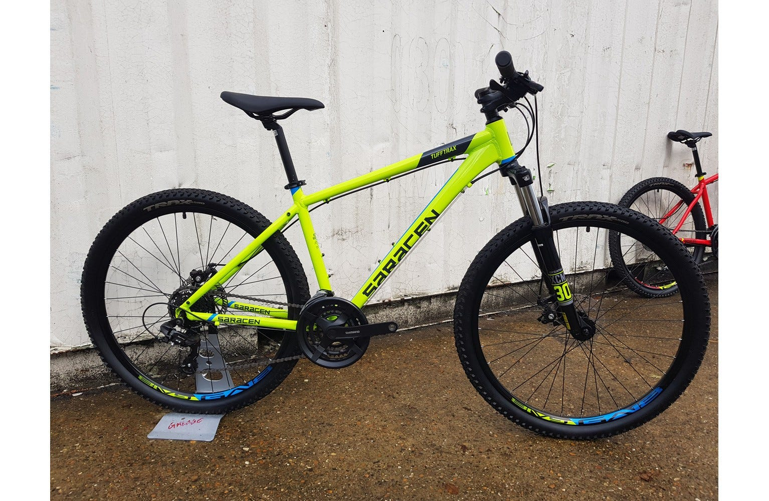 Saracen TuffTrax Disc 17 inch Ex Brand Sample Bike lime green