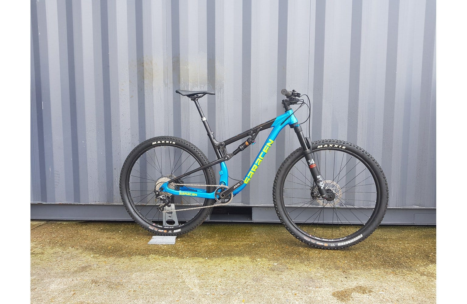 Saracen Traverse Elite Medium Ex Brand Sample Bike