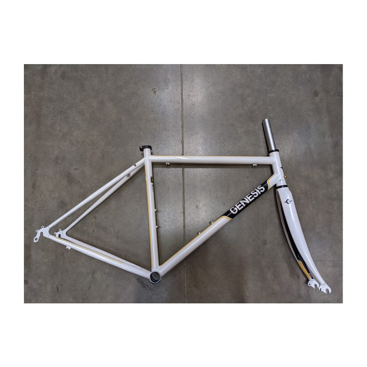 Genesis 2017 Equilibrium 725 frameset Small Brand Sample (Used)