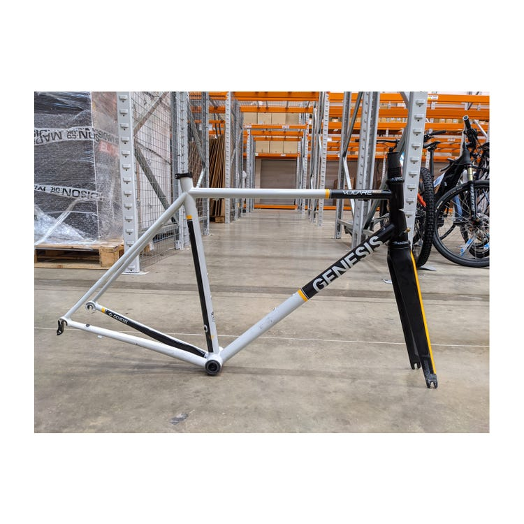 Genesis 2018 Volare 853 frameset Medium Brand Sample (Used)