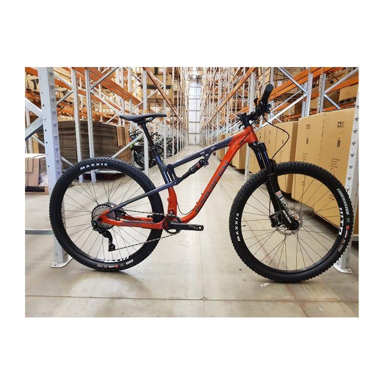 Saracen Traverse Pro Medium Bike sample (used)